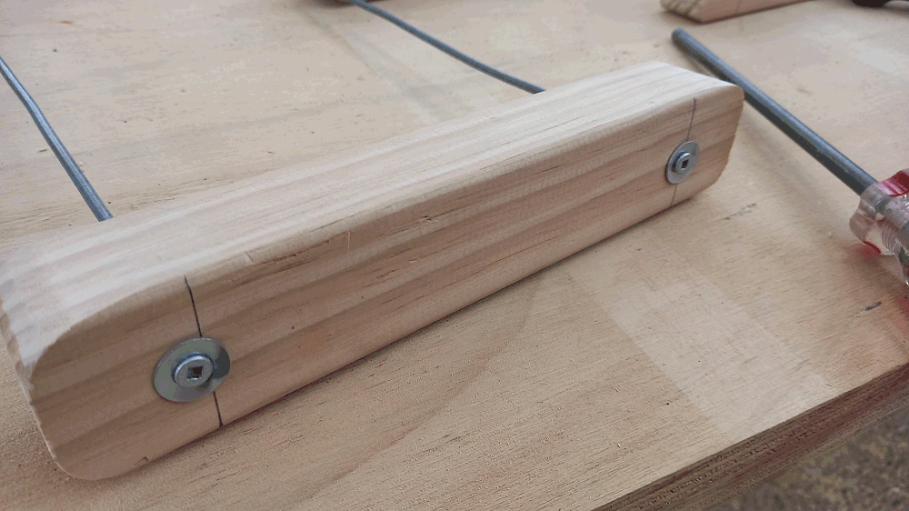 camoda chair construction - screws in first hole