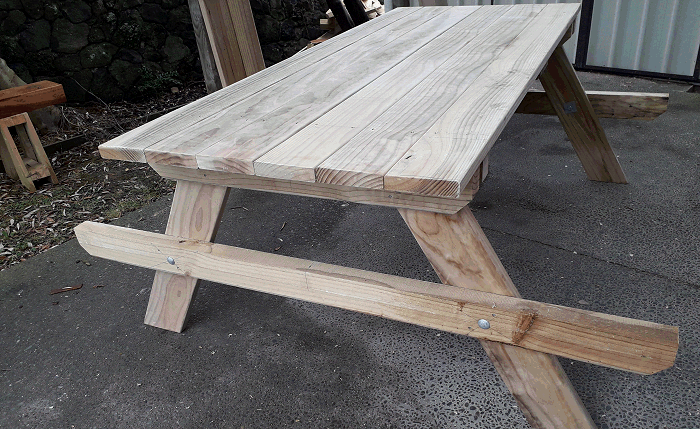 picnic table ready for seat