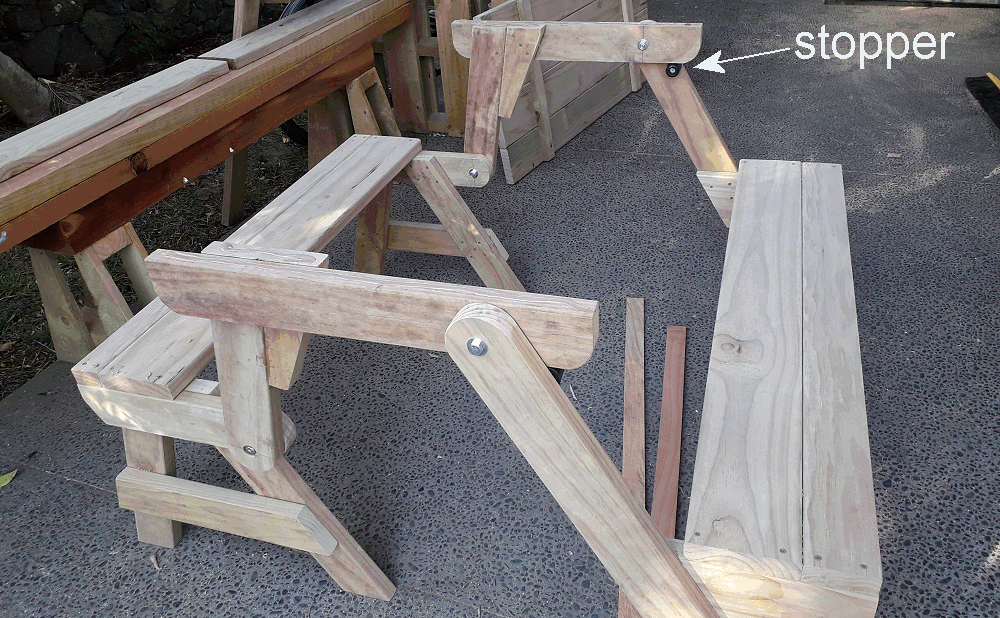 folding picnic table rubber stop fixed